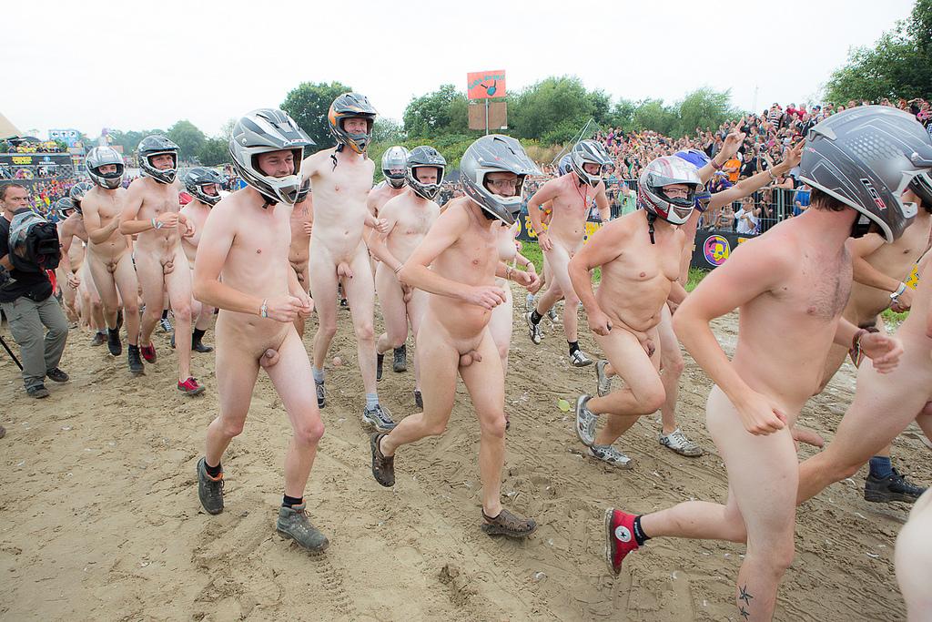 3689 naked run zwarte cross 2013