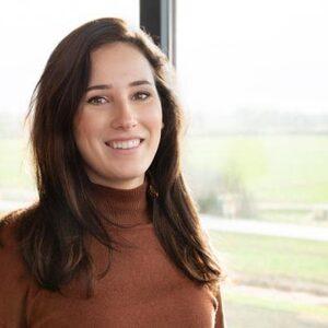Emie (25): 'Ik was door de pil net een robot'