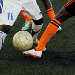 KNVB wil racisme in het voetbal bestrijden met commissie