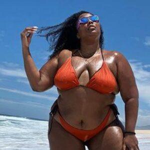 """Lizzo spreekt TikTok aan op het verwijderen van haar bikini-filmpjes: """"Waarom?"""""""