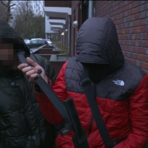 Politie zoekt jongen (14) die kapmes toont in 'Danny Op Straat'-teaser