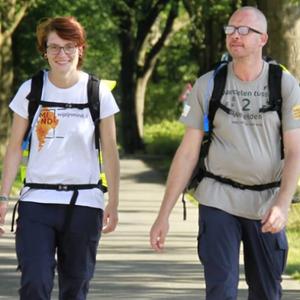 Anouk (23) gaat 1135 kilometer wandelen tegen pesten