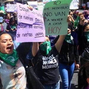 Tienduizenden Mexicaanse vrouwen protesteren tegen toenemend vrouwengeweld