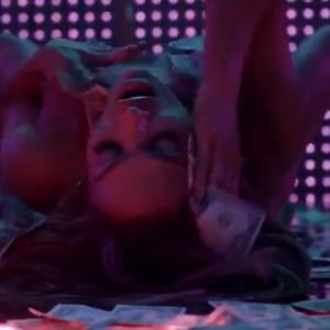 Bekijk de eerste beelden van J.Lo, Constance Wu en Cardi B als strippers in 'Hustlers'