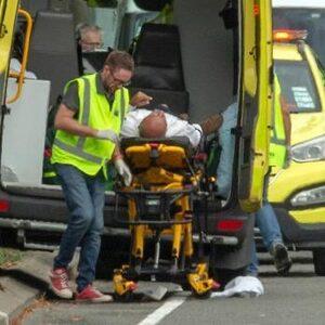 Zeker 49 doden na terroristische aanslagen op twee moskeeën in Nieuw-Zeeland