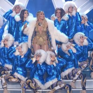 Jennifer Lopez doet iconische medley van haar beste hits op de MTV VMA's