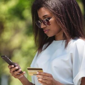 Slim of misleidend? Webshops verkopen kleding die ook op AliExpress staat