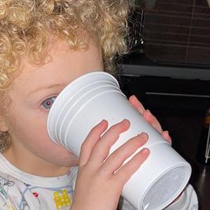 Drake deelt voor het eerst foto's van zijn schattige zoontje Adonis