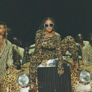 Beyoncé deelt nieuwe beelden van 'Black Is King' en fans worden gek