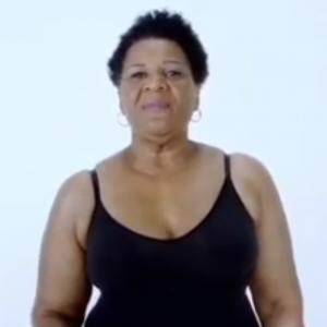 Kim K. huurt ex-gevangene Alice Johnson (64) in als model voor haar nieuwe merk