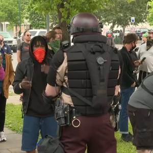 Nationale garde schiet met rubberen kogels en traangas op demonstranten in Minneapolis