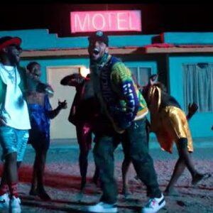 Davido en Chris Brown droppen zwoele clip van zomerse collab