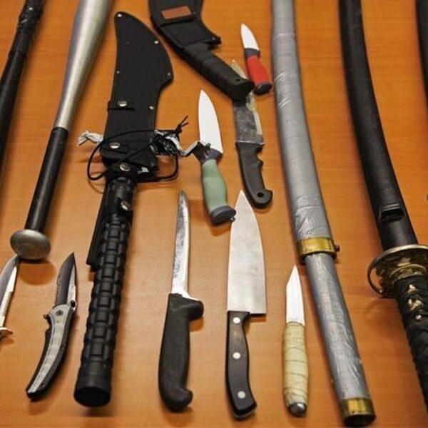 Steeds meer Amsterdamse jongeren gepakt met een wapen op zak