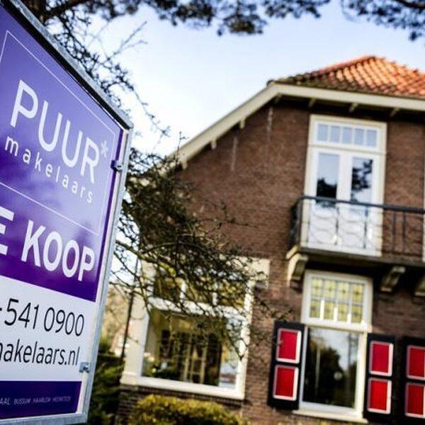 'Huizenprijzen volgend jaar 2 procent omlaag'