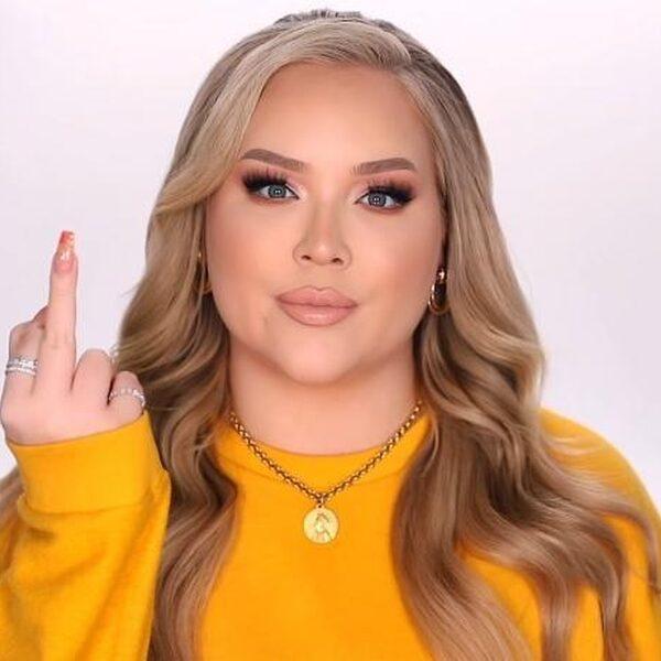"""YouTuber NikkieTutorials onthult: """"Ik ben transgender"""""""