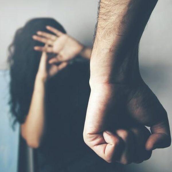 """Hulpverlener Yassine ziet toename huiselijk geweld: """"Zoon slaat moeder vaker voor drugs"""""""