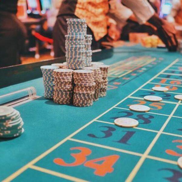 Danny (24) is gokverslaafd en verloor laatst nog €10.000 in het casino