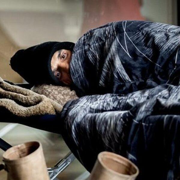 FunX-luisteraar Edson biedt daklozen een douche aan bij hem thuis