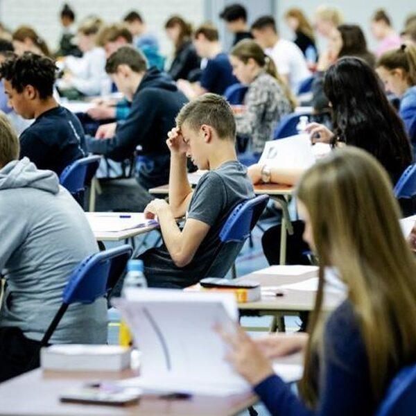 Centrale eindexamens gaan niet door vanwege coronacrisis