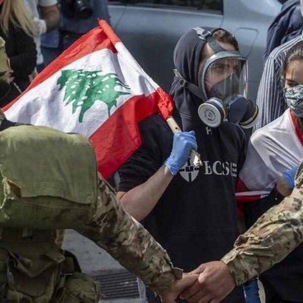 """Protesten in Libanon gaan door ondanks corona: """"De honger is net zo gevaarlijk"""""""
