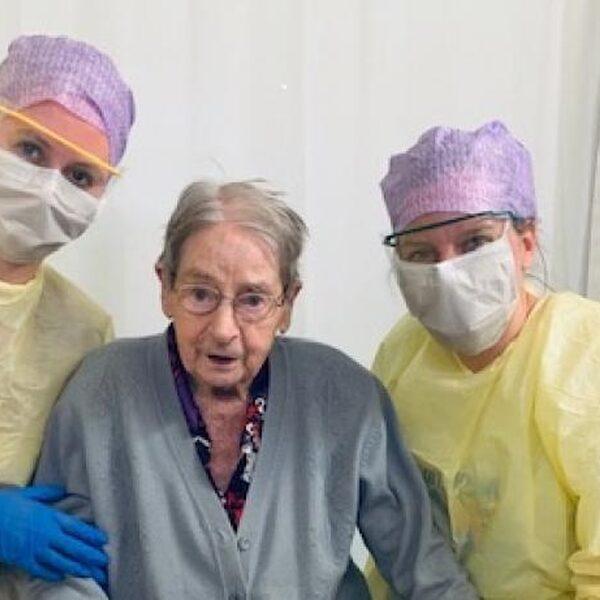 101-jarige vrouw hersteld van coronavirus in IJsselland Ziekenhuis