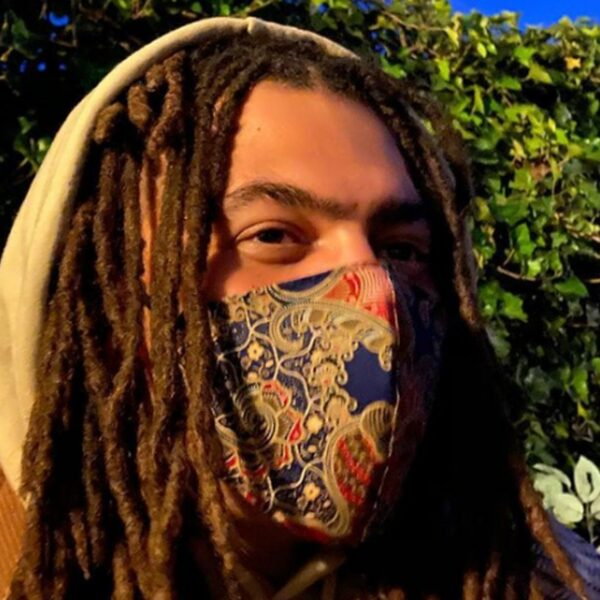 Fresku verzamelt beelden van racisme en politiegeweld in clip van 'Fada'