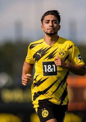 """Immanuel (20): """"Op mijn 16e ondertekende ik mijn eerste contract bij Borussia Dortmund"""""""