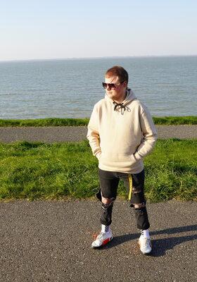 Roy (21): ''Ik wil mijn passie als producer nastreven, ongeacht mijn beperking''