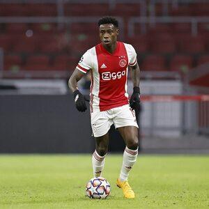 Ajax-aanvaller Promes opgepakt voor steekpartij