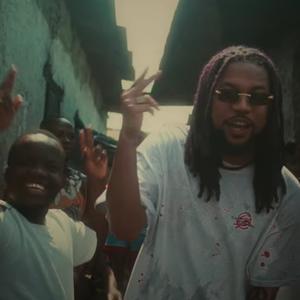 Bokoesam laat Ghana zien in zonnige clip van dancehalltune 'Morning'