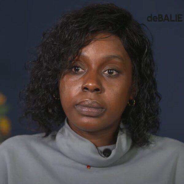 Moeder van Desteny (13) nadat dochter eind aan haar leven maakte: ''stop online shaming''