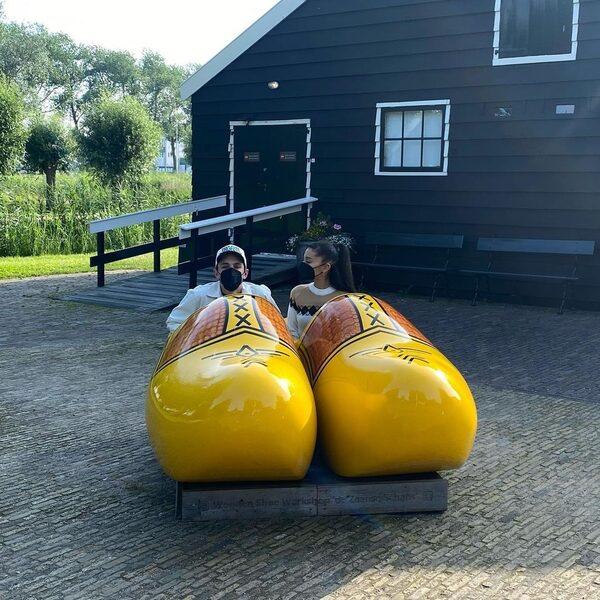 Ariana Grande deelt foto's van huwelijksreis naar Nederland