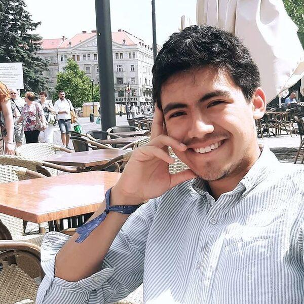 Hoe Alerk (22) vanuit Nederland strijdt tegen de onderdrukking van Oeigoeren