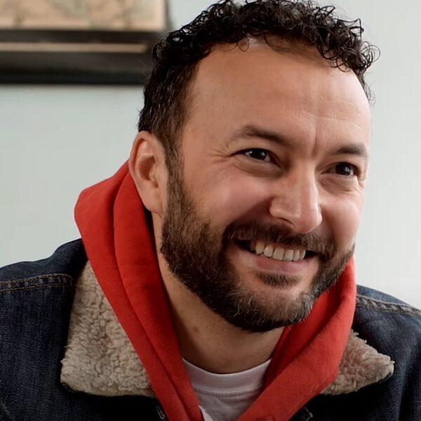 """Nasrdin Dchar: """"Om sterk in je schoenen te staan, moet je je roots kennen"""""""