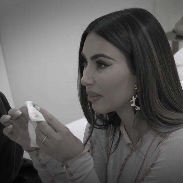 Kim Kardashian barst in tranen uit tijdens gesprek over Kanye in 'KUWTK'