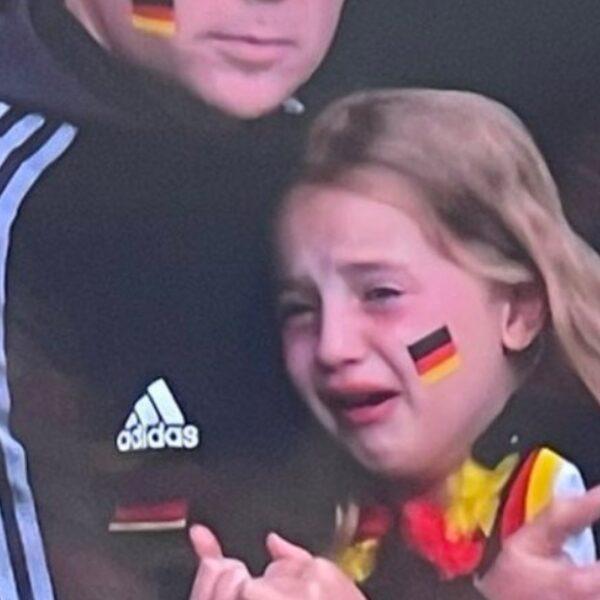 Ruim 42.000 euro opgehaald voor huilend Duits meisje dat online werd uitgescholden