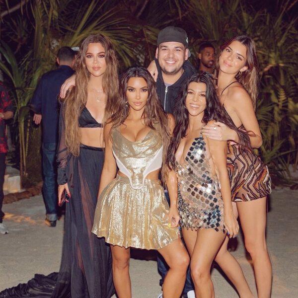 Kim Kardashians tweet over haar luxe verjaardagsfeest op privé-eiland wordt meme