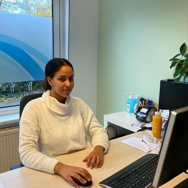 Semra (24) mag in huurhuis van haar overleden vader blijven wonen