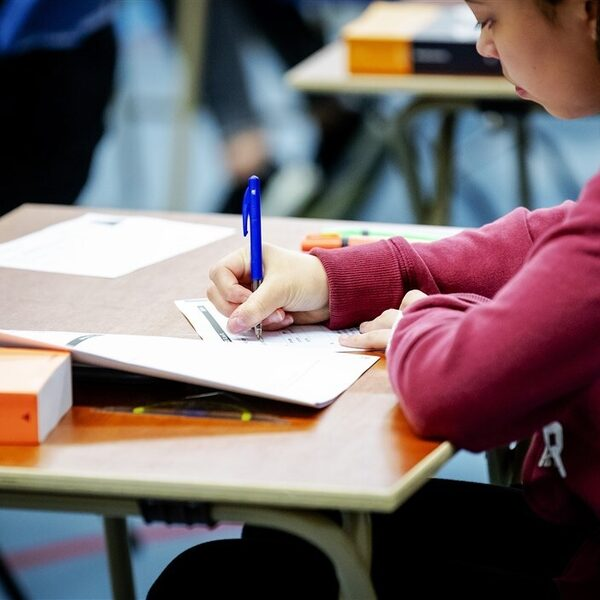 Scholieren willen aangepaste examens: 'Eindexamens in huidige vorm onhoudbaar'
