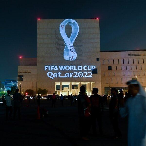 '6500 arbeidsmigranten omgekomen bij voorbereidingen WK 2022 in Qatar'