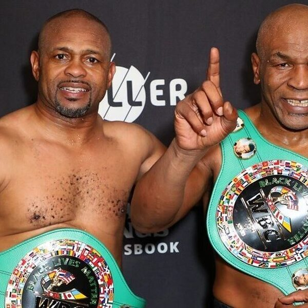 Mike Tyson en Roy Jones Jr. eindigen in gelijkspel