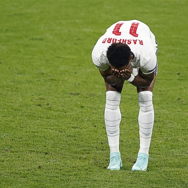 Marcus Rashford reageert op racisme na gemiste strafschop tijdens EK-finale