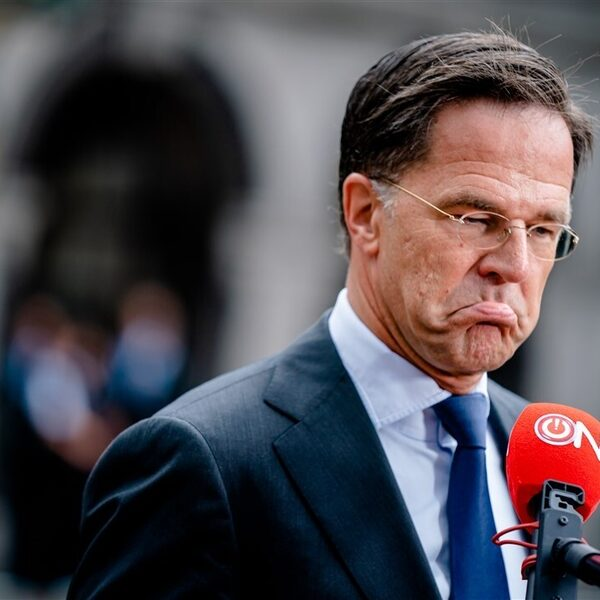 """Rutte: """"De situatie in Afghanistan is onoverzichtelijk en zeer zorgwekkend"""""""