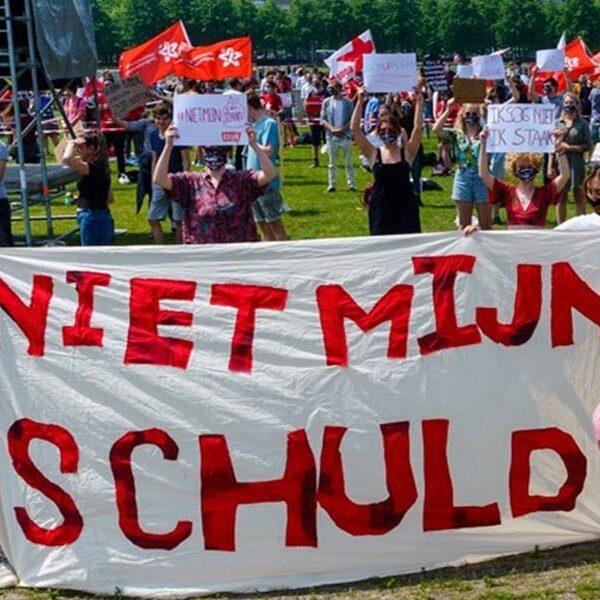 Studenten protesteren tegen leenstelsel: #NietMijnSchuld
