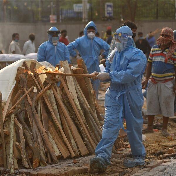 Grote zorgen om coronasituatie India: ziekenhuizen overbelast en 200.000 doden