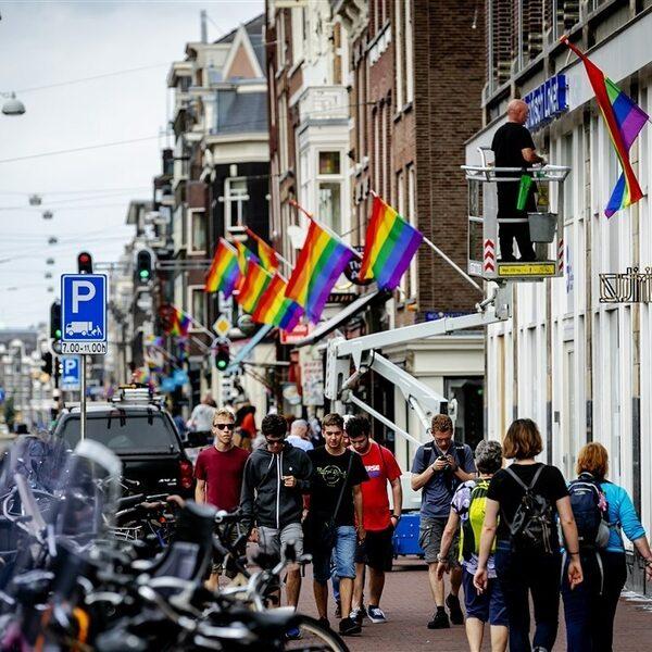 Rainbow-washing: 'Sommige bedrijven gebruiken de Pride-vlag als marketingtechniek'