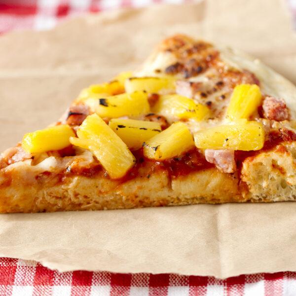 Roti met rijst en pizza met ananas: wanneer spreek je van culturele toe-eigening?