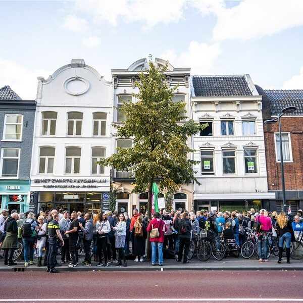 Utrechts restaurant 'symbolisch' open na sluiting door gemeente