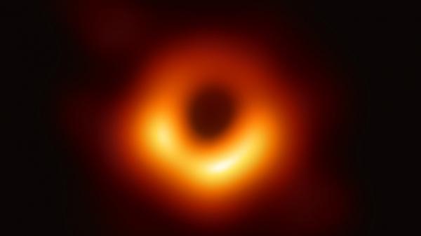 07 5f02bcfb4f black hole photo