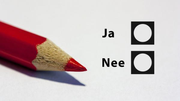 14 3456677468 pen 1080452 1280 rood potlood referendum ja nee 915x518